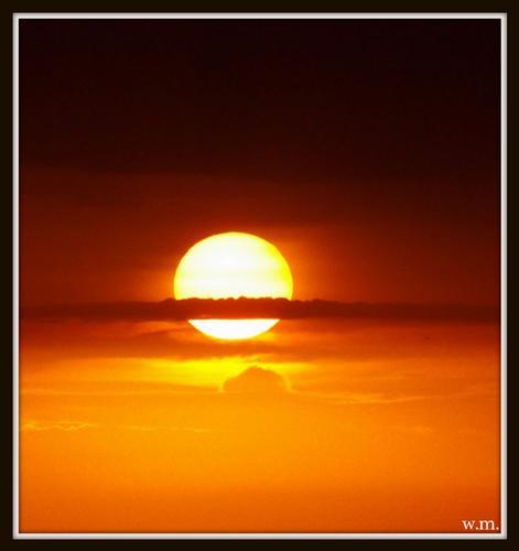 il sole al tramonto - Marina di massa (1042 clic)