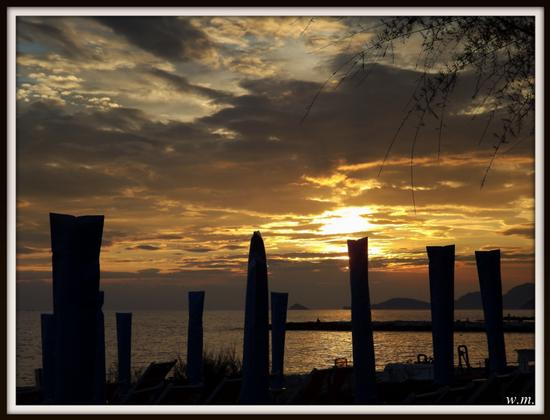 tramonti di fine estate... - MARINA DI MASSA - inserita il 18-Sep-12
