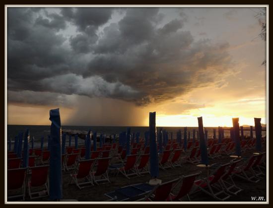 temporali di fine estate... - Marina di massa (1214 clic)