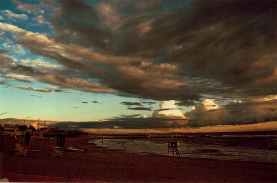 nuvoloni... - Marina di massa (1613 clic)