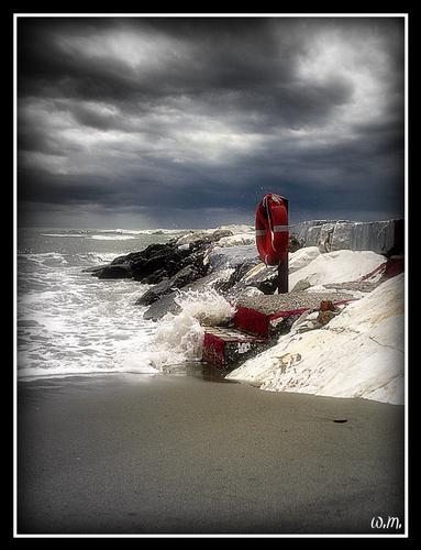 mare in burrasca... - Marina di massa (989 clic)