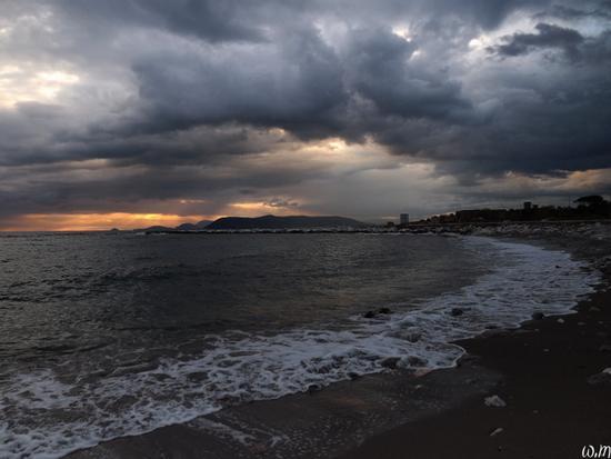 ..spiaggia libera colonia torino - Marina di massa (1395 clic)