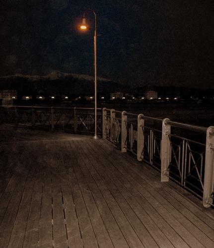 ..sul pontile ... - Marina di pietrasanta (1061 clic)