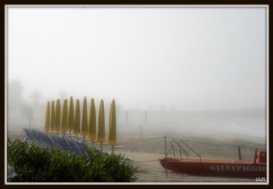 nebbia sul mare... - Marina di massa (6315 clic)