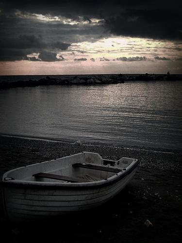 barca di pescatori.. - MARINA DI MASSA - inserita il 04-Jul-12
