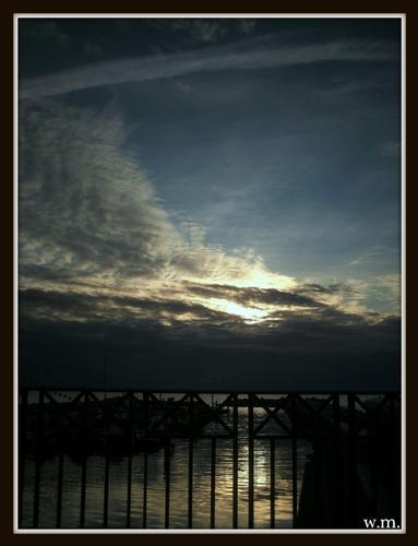 dal ponte del brugiano... - Marina di massa (793 clic)
