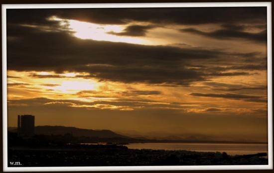 l'alba di un nuovo giorno.. - Marina di carrara (1092 clic)