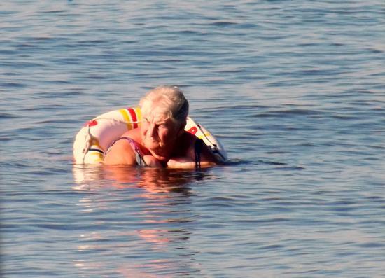 ...lezione di nuoto... - Marina di massa (1084 clic)
