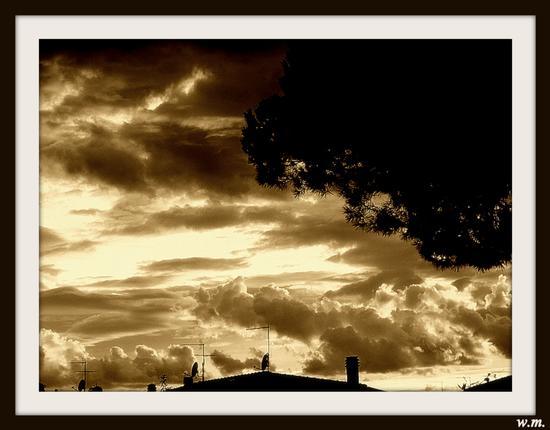 arriva il temporale.... - Marina di massa (907 clic)