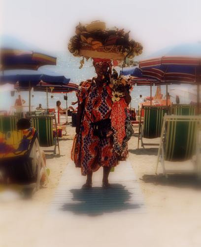 bazar ambulante... - Marina di massa (1594 clic)