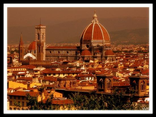 ...da piazzale michelangelo.... - Firenze (1183 clic)