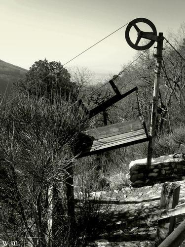vecchia funicolare.. - Alpi apuane (1310 clic)