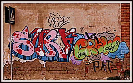 ..graffiti... - MARINA DI MASSA - inserita il 28-Dec-12