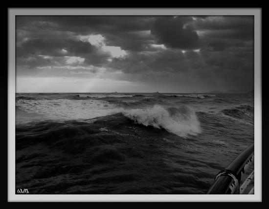 mareggiata... - Marina di massa (1447 clic)