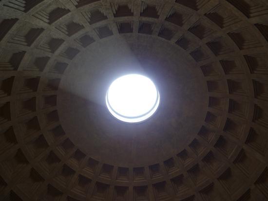 ..la più grande cupola dell'antichità..il pantheon. - Roma (2219 clic)