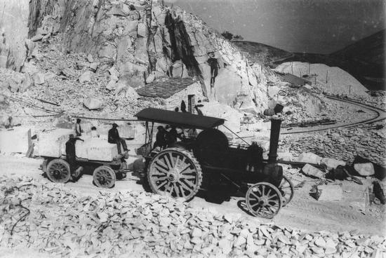 trasporto del marmo 100 anni fà.... - Carrara (3861 clic)