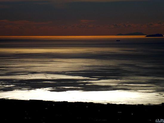 campocecina..guardando verso il mare.. - Carrara (2131 clic)