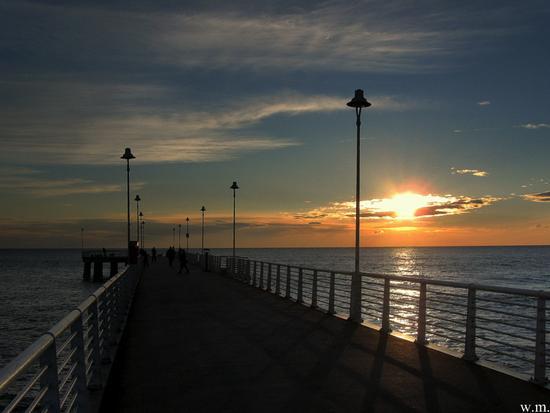 tramonto dal pontile... - Marina di massa (692 clic)