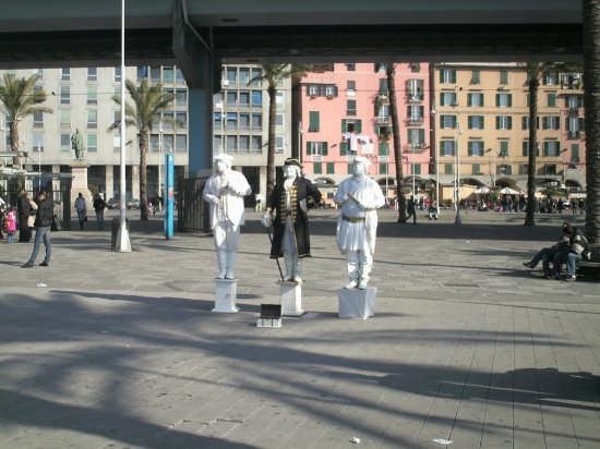 statue umane - Genova (3733 clic)