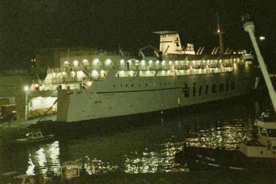 imbarco per la sardegna - Livorno (2075 clic)