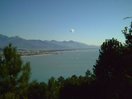 nuvoletta solitaria - Montemarcello (2635 clic)