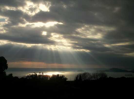 ...in  inverno dal paese di Montemarcello... (2540 clic)