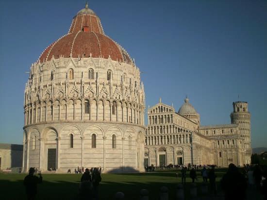 piazza dei miracoli - Pisa (3314 clic)