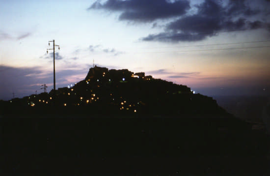tramonta il sole - CASTELSARDO - inserita il 04-Mar-09