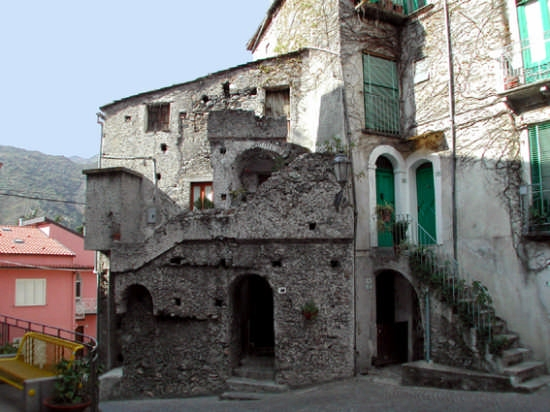 Piazza Vecchia - Bivongi (3199 clic)