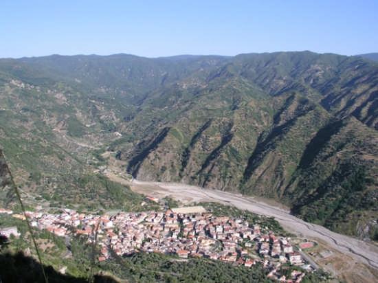 Bivongi e l'alta valle dello Stilaro - Stilo (4054 clic)