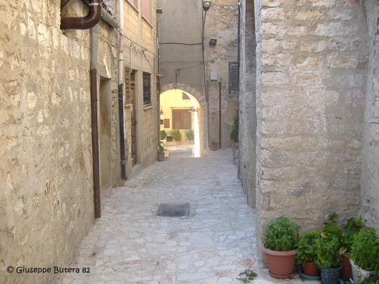 bisacquino cortile petraloro (1446 clic)