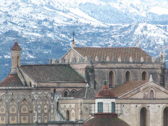 la cattedrale di monreale vista da casa mia il 16.02.09 (3772 clic)