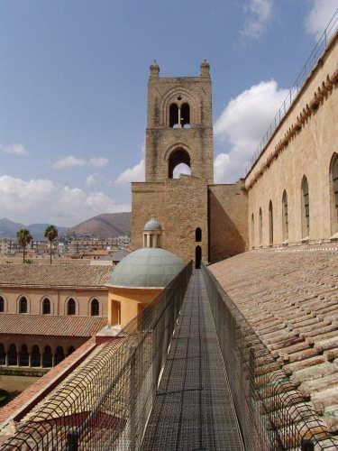 passegiata nelle terrazze del duomo con veduta del chiostro - Monreale (3448 clic)