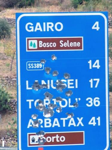 la segnaletica stradale in sardegna - Seui (7684 clic)