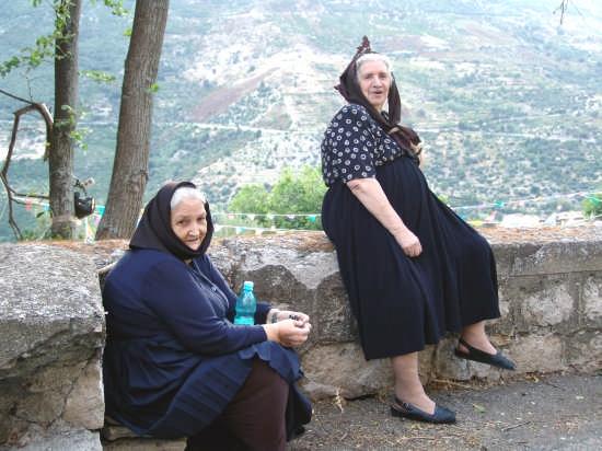 donne sarde che prendono il sole - Seui (10288 clic)