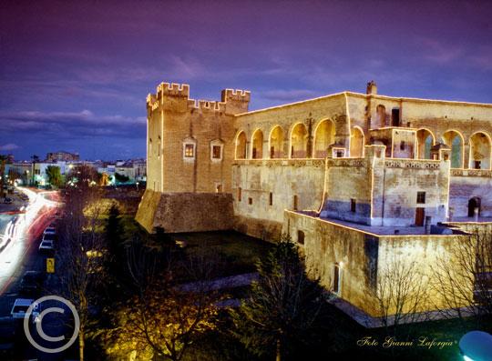 Il Castello (Natale 2002) - Mesagne (3743 clic)