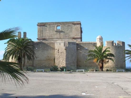 Il castello prima del restauro - Brucoli (3412 clic)