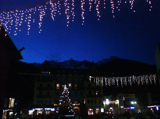 piazza centrale di Cogolo - Pejo (2216 clic)