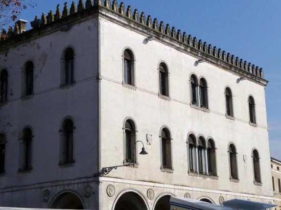palazzo della Loggia - Noale (2408 clic)