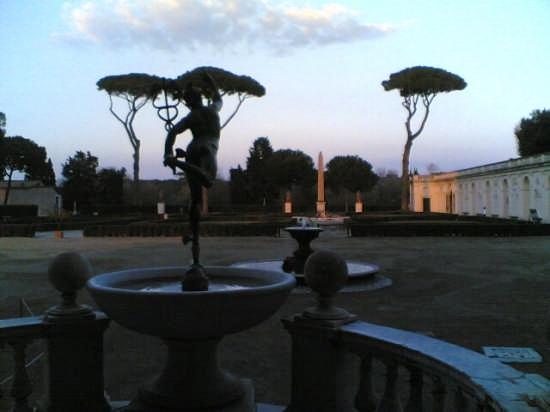 TRAMONTO A VILLA MEDICI - Roma (2857 clic)