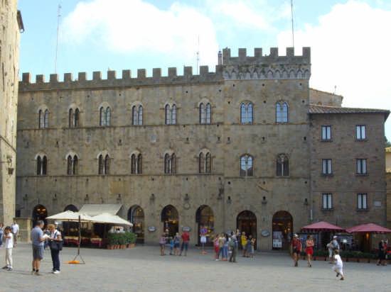 Palazzo Vescovile - Volterra (4308 clic)