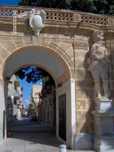 Arco del Padreterno - Bagheria (4675 clic)