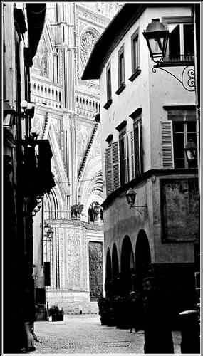 bianchi , neri,grigi  - Orvieto (1332 clic)