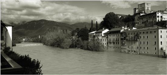 la  Brenta ..  - Bassano del grappa (947 clic)