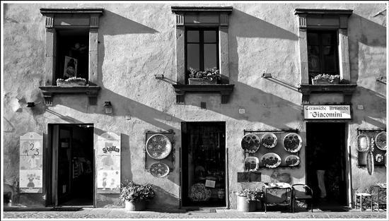 ombre e linee  - Orvieto (2383 clic)