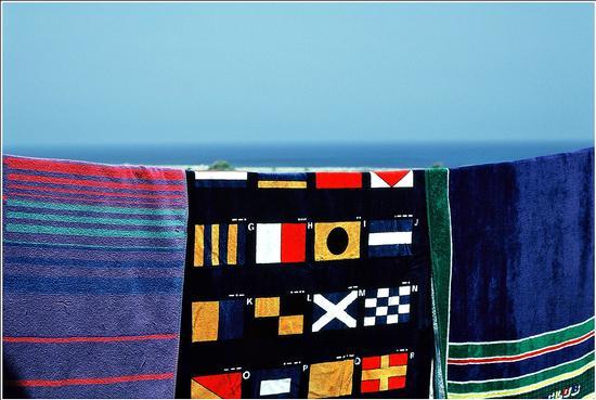 1987 : colori  tra il vento.. - Favignana (2278 clic)