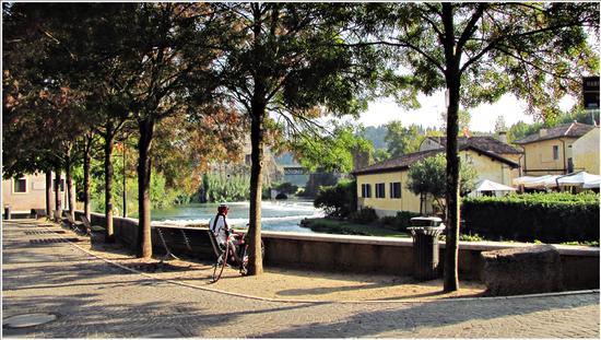 autunno.. - Borghetto (682 clic)