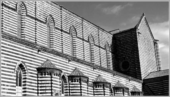 linee 1 - Orvieto (1330 clic)