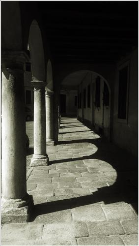 luce ombre forme  - Montagnana (729 clic)