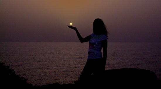 ...e ruberò per te la luna se il buio ti farà paura... - Sant'antioco (3411 clic)
